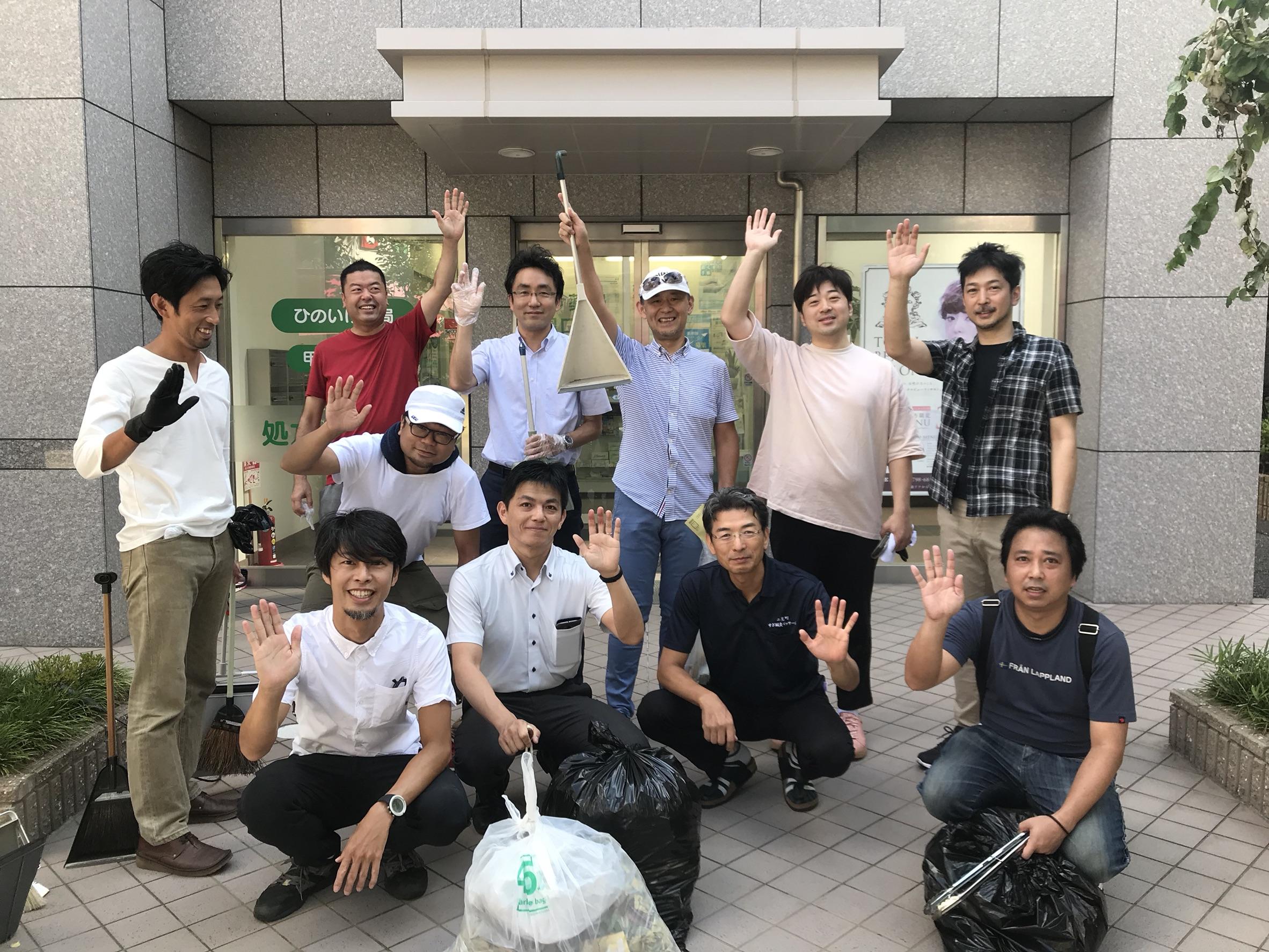 JR甲子園口駅周辺の清掃を行いました。